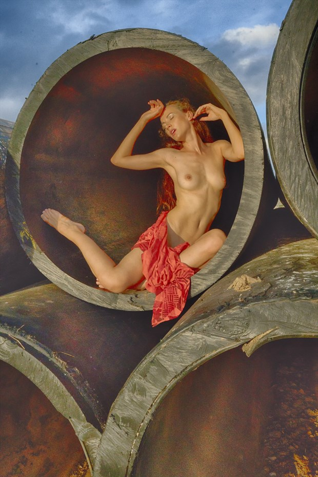 Red Artistic Nude Artwork by Photographer Robearth