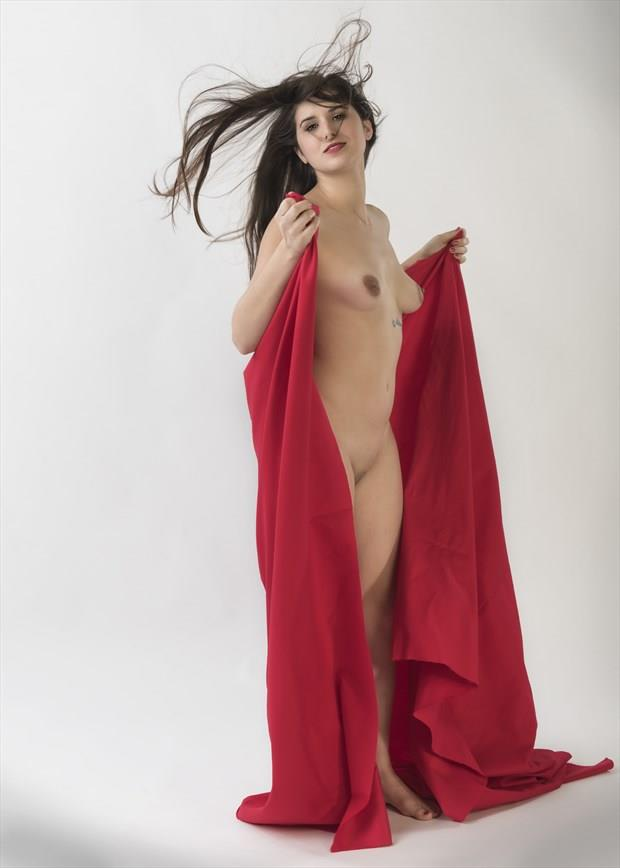 Red shawl Artistic Nude Photo by Photographer Tommy 2's