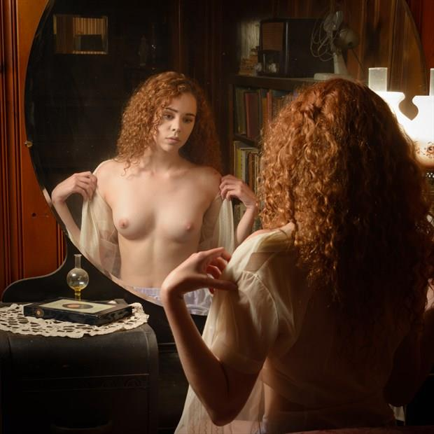 Reflection of Her Beauty Artistic Nude Photo by Photographer STUDIO2107