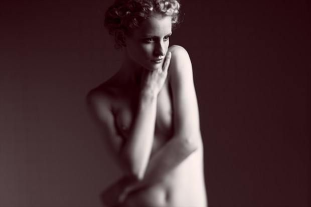 Reflective Artistic Nude Photo by Photographer Daniel Hubbert