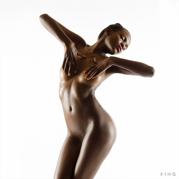 Regal Artistic Nude Photo by Photographer Terry King