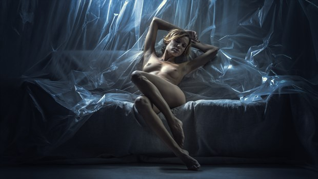 Relax Artistic Nude Photo by Photographer dml