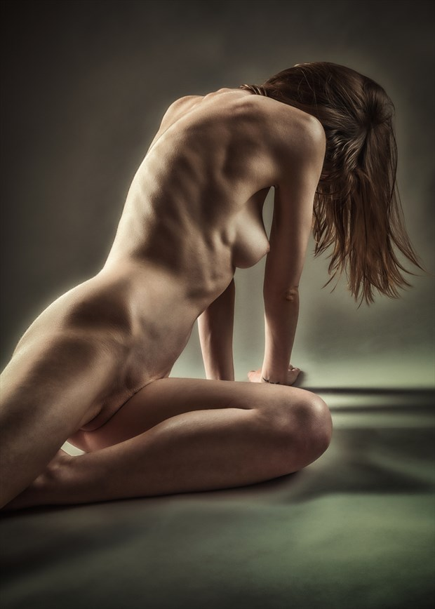 Right Flank Artistic Nude Photo by Photographer rick jolson