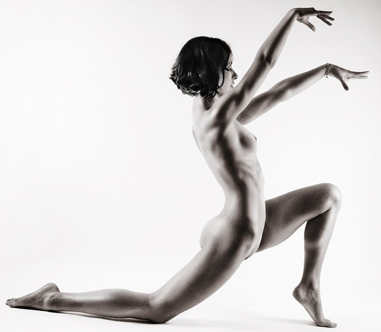 Ritual Pattern of No Time Artistic Nude Photo by Model Miss Anya