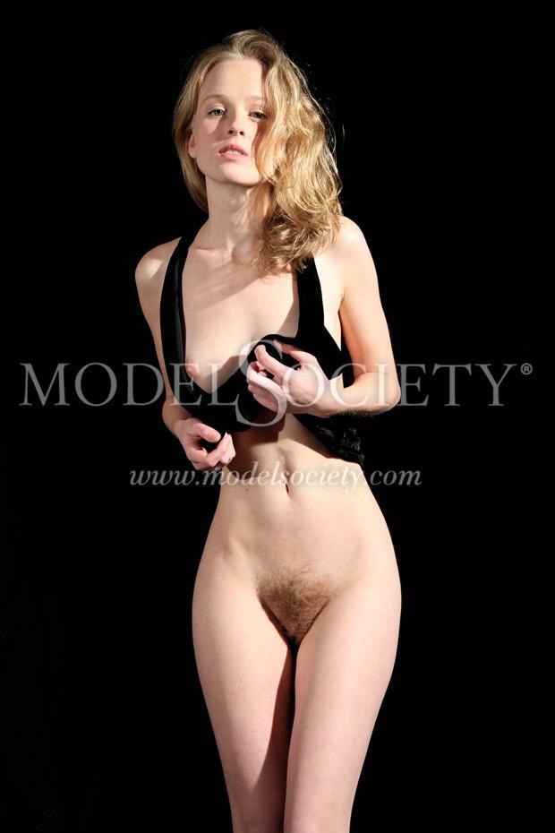 Romahni 8 Artistic Nude Photo by Photographer Raphaelangelo
