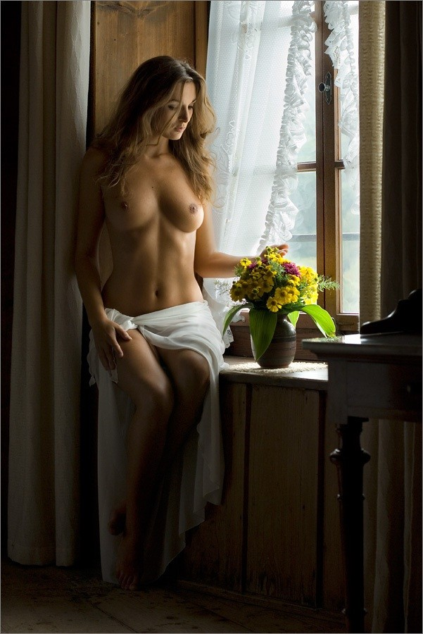 Romantic Moment Artistic Nude Photo by Photographer Martin Zurm%C3%BChle