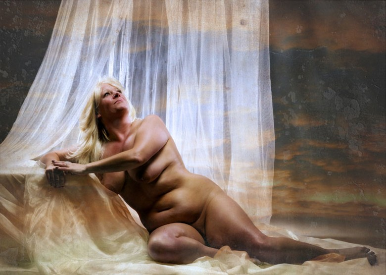 Rubenesque Artistic Nude Photo by Photographer MaxOperandi