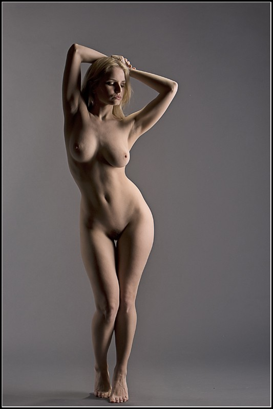 S Body Curves Artistic Nude Photo by Photographer Magicc Imagery