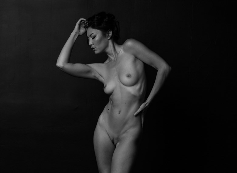 S Curves Artistic Nude Photo by Model Catalina Cruise