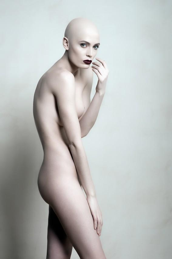 Sabrina %232 Artistic Nude Photo by Photographer Andrea Peria