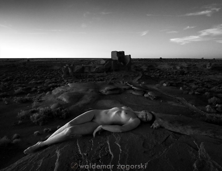 Sacrifice Artistic Nude Photo by Model Stilt