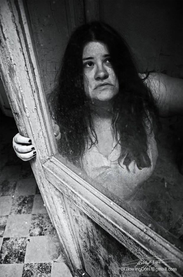 Sad madness Sensual Photo by Model Assilem Ozzehg