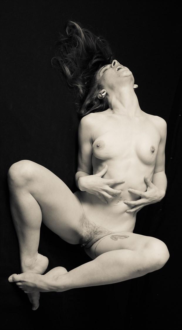 Sasha Chronic Pain Artistic Nude Photo by Artist Freddie Graves