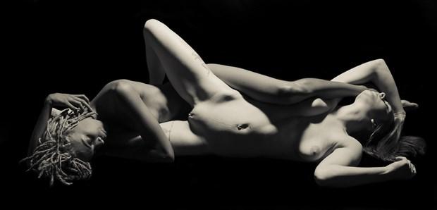 Sasha and Nije 2 Artistic Nude Photo by Artist Freddie Graves