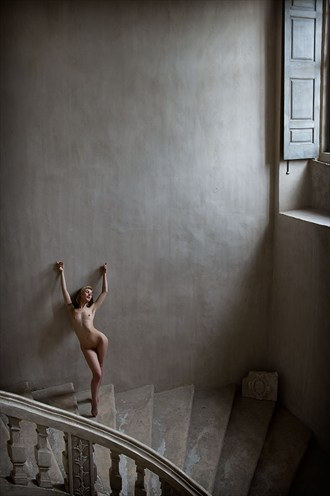 Scale Artistic Nude Photo by Photographer Ciaran