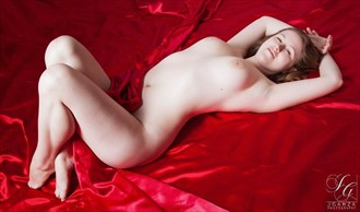 Scarlet Artistic Nude Photo by Model Arshae Morningstar