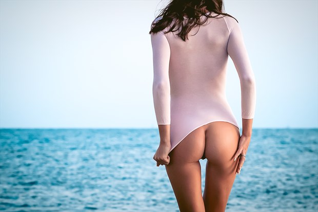 Seascape Artistic Nude Photo by Photographer M. Photography