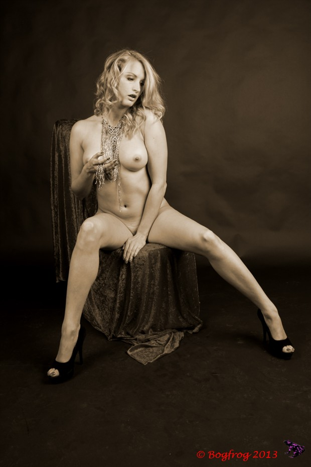 Seated Nude Artistic Nude Photo by Photographer Bogfrog