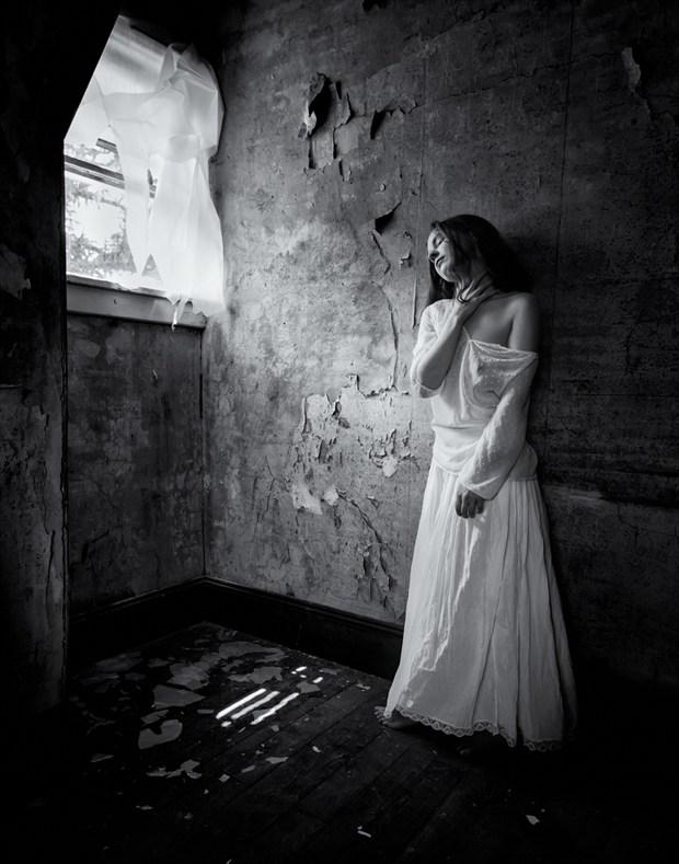 Sensual Chiaroscuro Photo by Model marzipanned