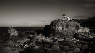 Sentinel Artistic Nude Photo by Photographer Symesey