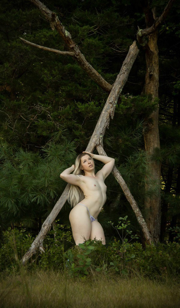 September 1, 2018 Artistic Nude Photo by Model Alexandra Vincent