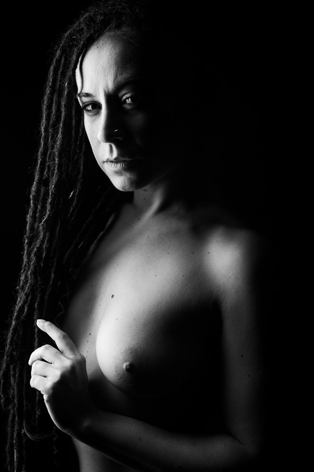 Shadow Walkers   Valentina   IV Artistic Nude Photo by Photographer Oliver Godby