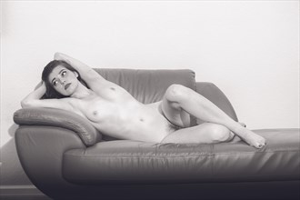 Sheena Artistic Nude Photo by Photographer Juan Mariaca
