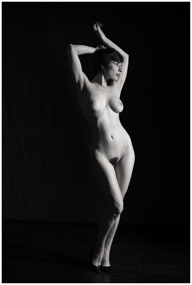 Side light Artistic Nude Photo by Photographer Tommy 2's
