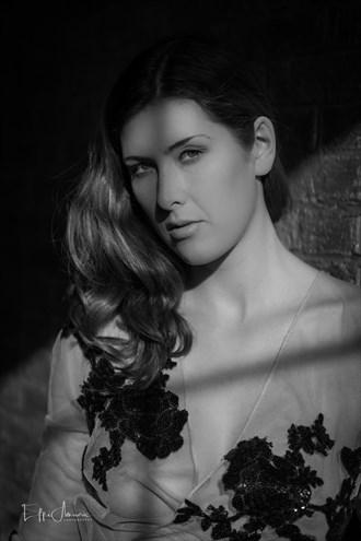 Sienna Sensual Photo by Photographer Effi Amouris