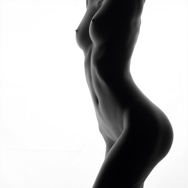 Silhouette Artistic Nude Photo by Photographer Lumin