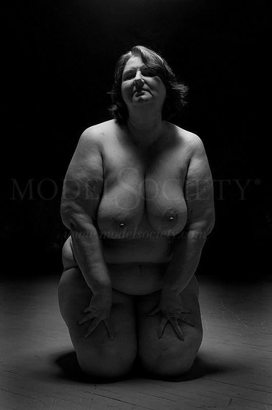 Single light source Artistic Nude Photo by Model Catherine Hamilton
