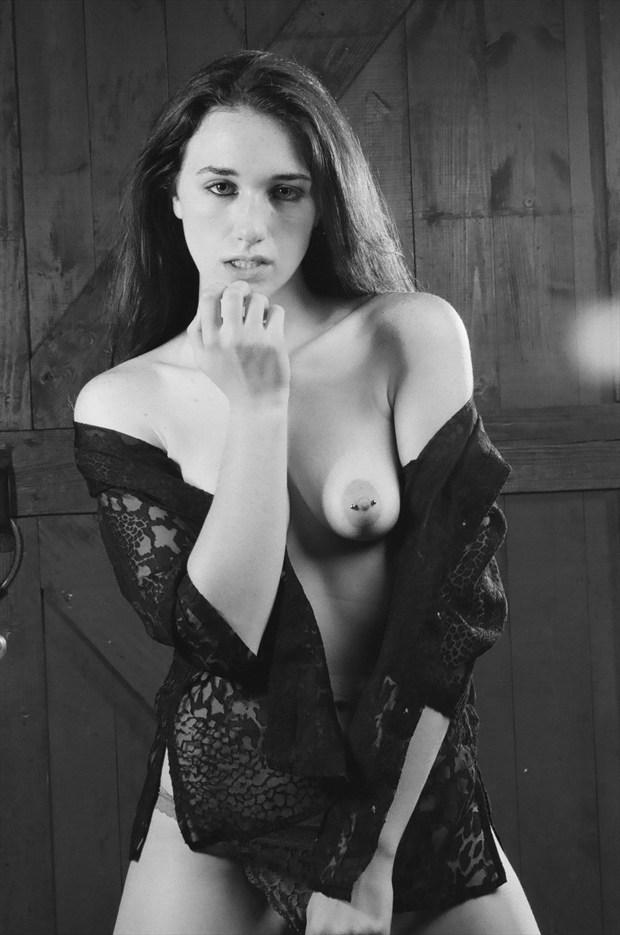Sirena Wren Artistic Nude Photo by Photographer saul