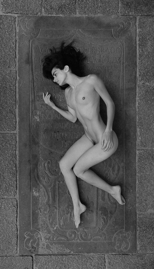 Snow White Artistic Nude Photo by Photographer Miguel Soler Roig