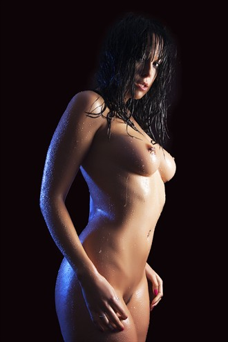 Soaking Artistic Nude Photo by Photographer Starglider
