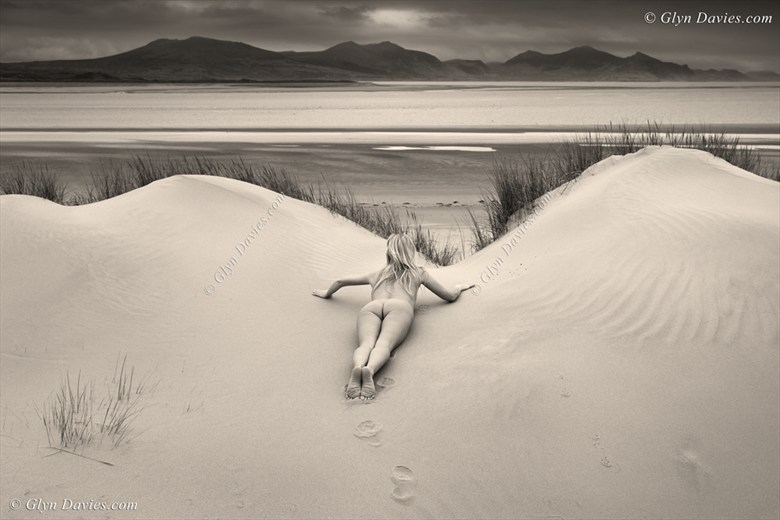 Something Foxy In The Dunes Artistic Nude Photo by Model Catherine