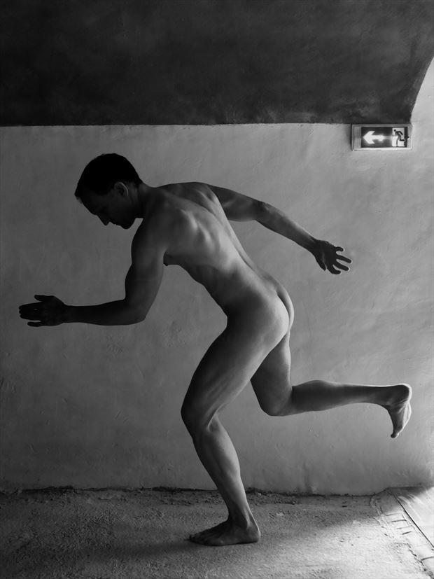 Sortie Artistic Nude Photo by Model Avid Light