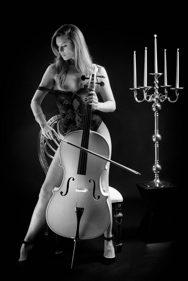 Sound of Music Artistic Nude Photo by Photographer MickeySchwartz