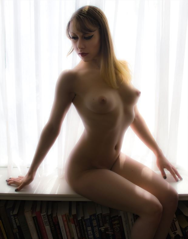 Southern Dahlia Artistic Nude Photo by Photographer Paul Anders