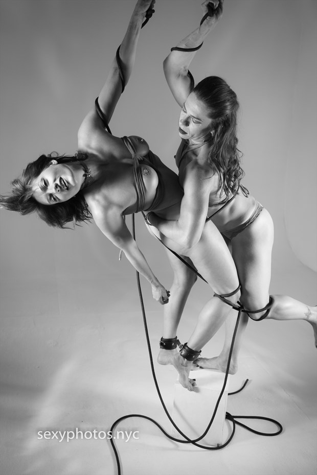 Spider & Fly Artistic Nude Photo by Model Ms_M