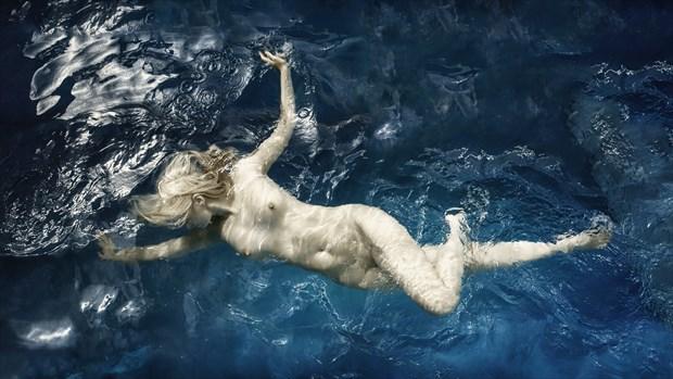 Splash Artistic Nude Photo by Photographer dml