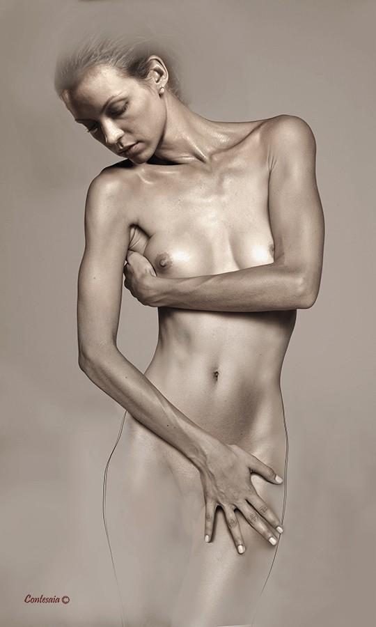 Studio 08 Artistic Nude Artwork by Artist Contesaia