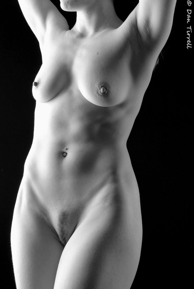 Studio 600 Artistic Nude Photo by Photographer Daniel Tirrell photo