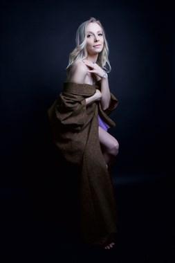 Studio Lighting Implied Nude Photo by Model Elizabebe