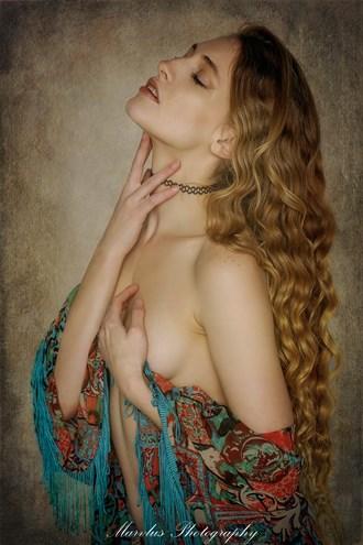 Studio Lighting Implied Nude Photo by Photographer Marvlus
