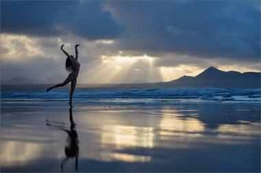 Sun Dance Artistic Nude Photo by Photographer Martin Zurm%C3%BChle