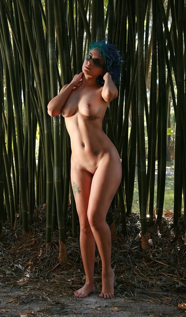 Sunlit Ilonka Artistic Nude Photo by Photographer Chris Gursky