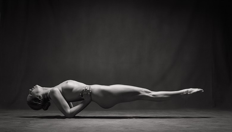 Suspended Artistic Nude Photo by Photographer Rossomck