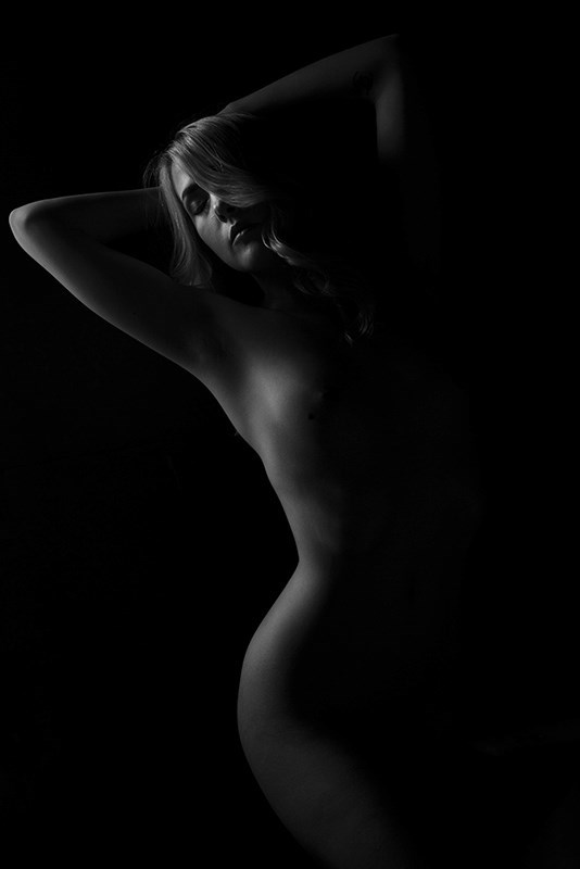 Sylph Artistic Nude Photo by Photographer Ross Spirou