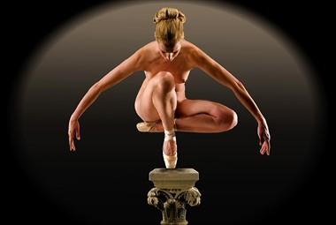 Symmetry Artistic Nude Photo by Photographer pmurph