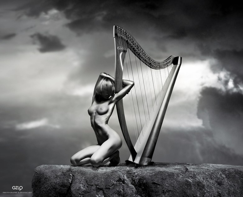 TOP HARP Artistic Nude Artwork by Artist GonZaLo Villar